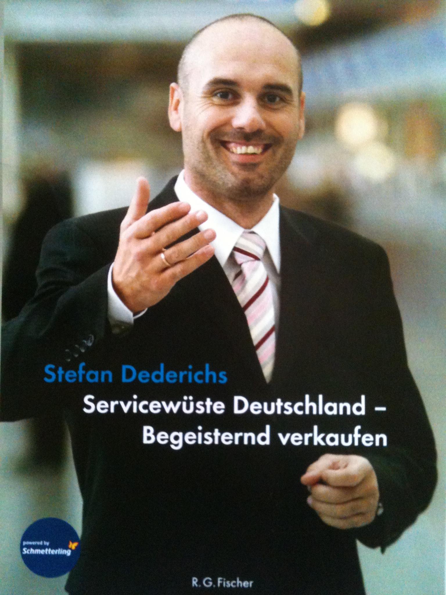 Cover zu Servicewüste Deutschland - Begeisternd verkaufen!