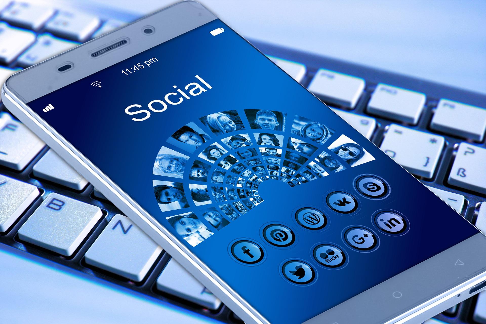 Cover zu 10 Tipps für eine wirksame Social Selling Strategie